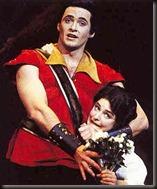 """Jackman en el papel de """"Gaston"""""""